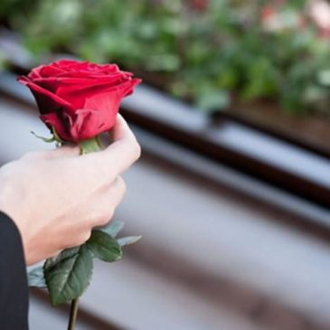 Aluguel de van para funeral ou velório
